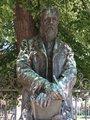 Svatopluk Čech, portrétní socha básníka na jeho hrobě na Vyšehradském hřbitově, hrob 15A-3, Vyšehrad