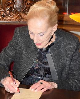 Soňa Červená autogramiáda