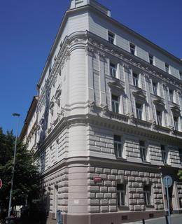 Nárožní dům v Belgické a Uruguayské ulici