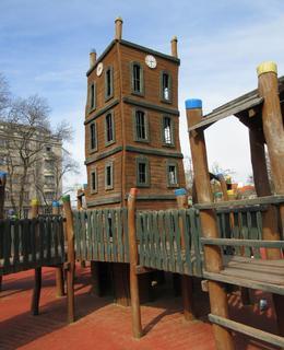 Dřevěná věž - prolézačka