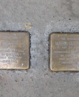 Kameny zmizelých v Chodské ulici 3