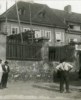 Hostinec U Hejduků, kol. 1905, zdroj: Muzeum hl. m. Prahy