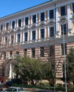 Škola v Londýnské 34 (Foto Milan Polák, březen 2020)