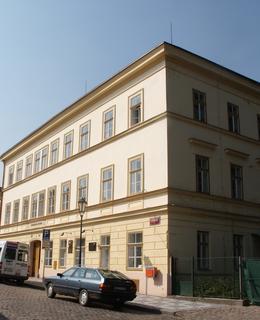 Budova V Pevnosti 4 (Foto M. Polák, 2003)