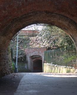 Pohled směrem na portál vedoucí do Podolí (Foto M. Polák, 2020)