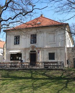 Budova Starého děkanství (Foto M. Polák, 2020)