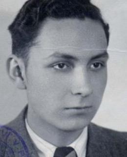 Karel Bacílek, foto řidičák. Zdroj: ÚSTR