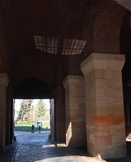 Vnitřní prostory Nové brány (foto M. Polák 2020)