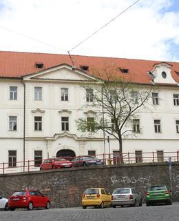 Dochovaná budova probošství (Foto M. Polák, 2020)