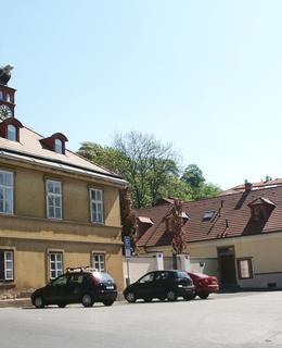 Obě budovy usedlosti (foto M. Polák)