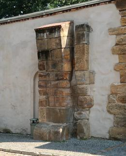 Pozůstatek gotické brány (Foto M. Polák)