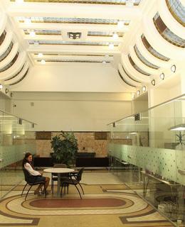 Citlivě zrekonstruovaný interér radnice (Foto M. Polák, 2018)