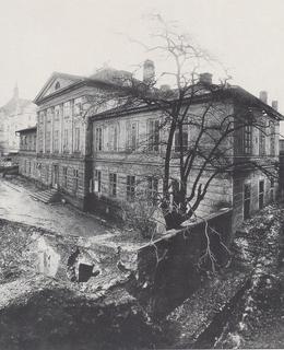 Eckertova fotografie lázní před zbořením. (Celkový pohled)