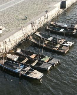Poezie řeky v roce 2008 – rybářské pramice na Výtoni (foto Milan Polák)