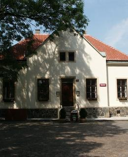 Dům kostelníka (Foto M. Polák, 2003)