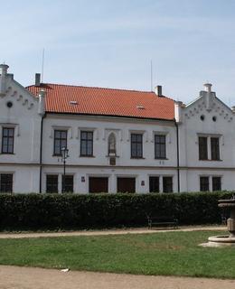 Kanovnická rezidence v roce 2003 (Foto M. Polák)