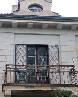 Balkon s vikýřem (Foto M. Polák, říjen 2020)