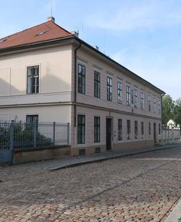 Starší kanovnická rezidence (Foto M. Polák, říjen 2020)