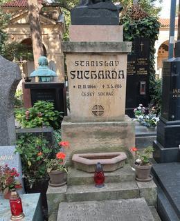 Hrob Stanislava Suchardy na Vyšehradě (Foto M. Polák, 2020)