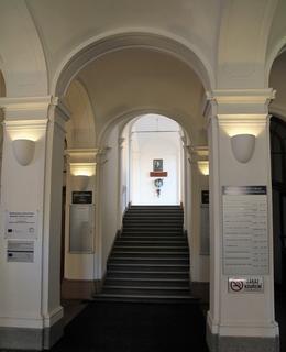Vstupní schodiště (Foto M. Polák, 2020)
