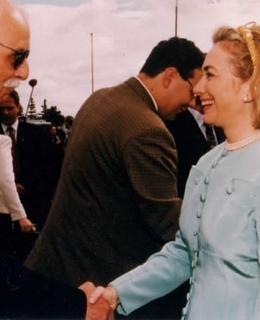 Jan Drábek s Hillary Clinton a Madeleine Albright v Praze 1996, Zdroj: jandrabek.com
