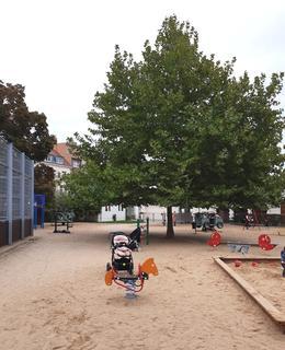 Hřiště místo usedlosti (foto Broncová, 2020)