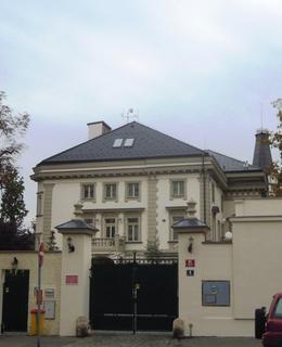 Výstavná vila s velikou zahradou Dolní Kozačka stojí na bývalých pozemcích Kozačky