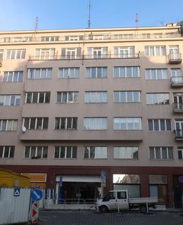 Václavská 14, druhý vchod do pasáže (Foto M. Polák, 2020))