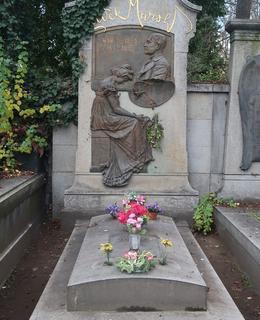 Hrob L. Marolda na Olšanských hřbitovech hřb. V, odd. 23, dílo V. Amorta z rok 1904 (Foto M. Polák,