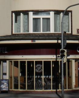 Nájemní domy čp. 384/XII, foto P. Líbal