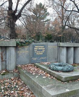Rodinná hrobka Blechových na Olšanech (foto D. Broncová)