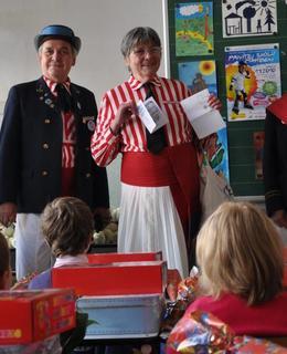 J. Osbornová, vítání prvňáčků v ZŠ Botičská, 2008. Zdroj: J.Mejstřík