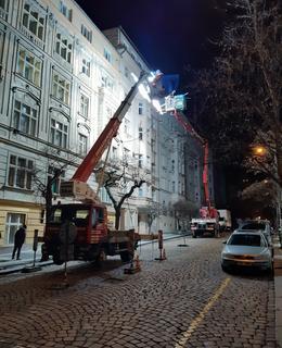 Počátkem února 2021 se zásluhou filmařů proměnila Čerchovská ulice v Rue Marchande (Foto D. Broncová)