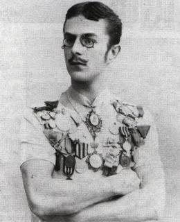Nejznámější fotografie J. Rösslera-Ořovského s medailemi