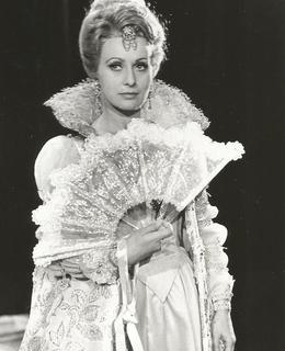 Libuše Márová v roli Mariny v opeře Boris Godunov od M. P. Musorgského. 70. léta, Smetanovo divadlo (soukromý archiv)