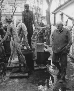 O. Zoubek v atelieru v Salmovské, 1994. Zdroj: olbramzoubek.cz, foto O.Hájek