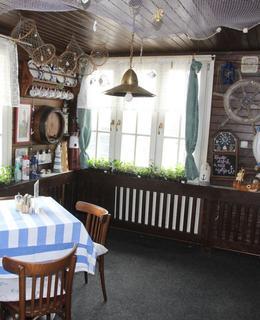 Interiér restaurace (Foto M. Polák, duben 2021)