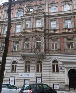 Dům Budečská 9 (Foto M. Polák)