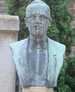 Hrob Otakara Ostrčila (Foto M. Polák, červen 2021)