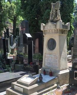 Slavíkův hrob na Vyšehradě (Foto M. Polák, červen 2021)