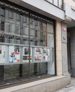 J.Suk ml., výstava v ÚMČ Praha 2, červenec 2021