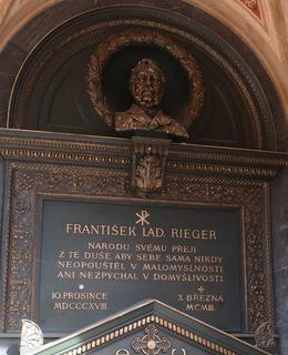 Riegerova hrobka v arkádách (Foto M. Polák, 2021)