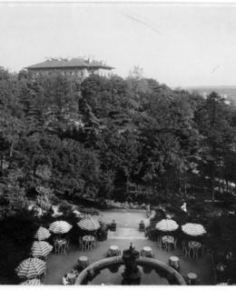Pohled na Gröbeho vilu od Grotty, 1931, AMP