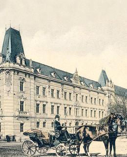 Budova trestního soudu, po r. 1903. Pohlednice