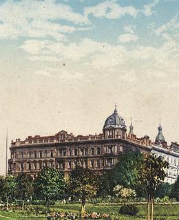 Dívčí reálné gymnázium, před r. 1937. Pohlednice.