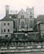 Vybombardované Emauzy. Zdroj: archiv B. Kovaříkové