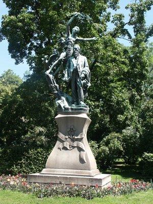 Pomník Svatopluka Čecha (autor fotografie: Milan Polák)