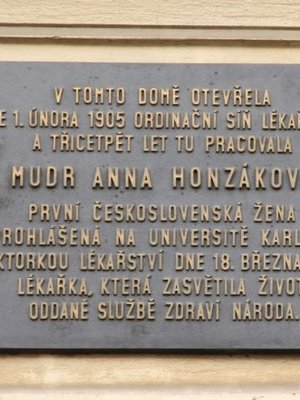 Anna Honzáková, Na Moráni čp. 1958/7, Nové Město (autor fotografie: Milan Polák)