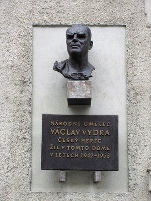 Václav Vydra st., Mánesova čp. 1653/85, Vinohrady (autor fotografie: Milan Polák)