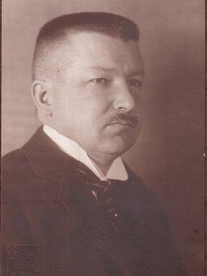 E.Cmunt foto